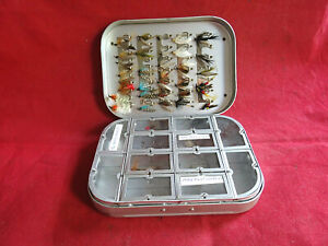 A SUPER WHEATLEY SILMALLOY 12 WINDOWED COMPARTMENT WET/DRY FLY BOX + FLIES