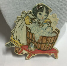 Kitty Cucumber Pin 1986 Merrimack Gold Outlined #819D