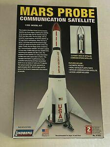 "LINDBERG 1:200 SCALE "" MARS PROBE COMMUNICATION SATELLITE ""  KIT NO. 91003"