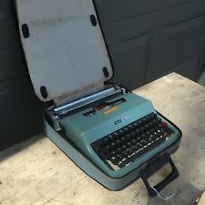 OLIVETTI LETTERA 32 TYPEWRITER Portable Blue Working Mid Century Modern w case