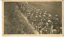 DAILY MAIL WAR POSTCARD SER4 NO.26 LONDON SCOTTISH GOING TO THEIR TRENCHES C1916