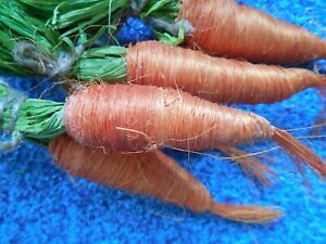HANGING CARROT BUNCHES, ORANGE & GREEN FIBRE,  7 IN. CARROTS,  4 BUNCHES OF TWO
