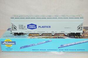 HO scale  Athearn Union Carbide Plastics ACF covered hopper car train
