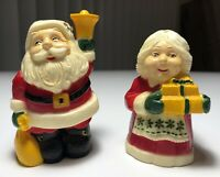 Vintage Santa And Mrs. Claus Salt And Pepper Shaker Set So Cute! Exc Condition!