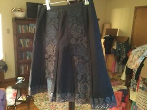 Ann Taylor Loft Skirt 0P Black with Floral Embroidery in Blue and Gray Ombre