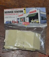 Vintage HO / OO Gauge Early Issue Bagged Un built Airfix Service Station