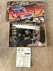 1999 Vintage Life Like Ford Super Duty F-350 HO Scale Electric Slot Track Lot