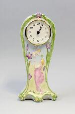 Art nouveau Porcelaine Montre Fille avec Elfe peint à la main Kämmer H22cm