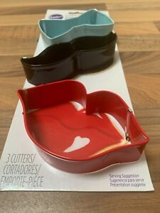 BRAND NEW PACK OF 3 WILTON COOKIE CUTTERS BOW LIPS MOUSTACHE BISCUITS ICING SET