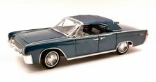 Lincoln Continental 1961 Blue 1:18 Model LUCKY DIE CAST