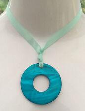 NUOVO-Grande Turchese Shell Collana con pendente anello con nastro Tie-Boho GLAM
