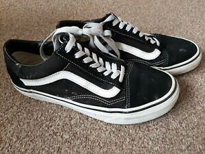 Old Skool Black And White Suede Lace Vans Size UK 6