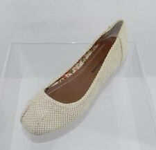Women's Chinese Laundry Alldone Beige Canvas Flats Size 10 M NEW