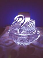 Exquisite Cut Glass Swan Trinket Box  * 24% Clear Lead Crystal *