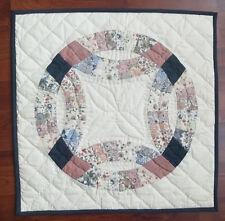 Double Wedding Ring Off White Quilted Block Wallhanging ~ Table Mat 19""