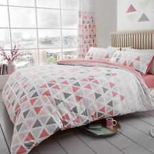 GEO TRIANGLE DOUBLE DUVET COVER & PILLOWCASE SET BEDDING PINK REVERSIBLE