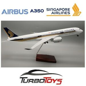 NEW- AIRBUS A350 SINGAPORE AIRLINES 1/142 LARGE 47CM RESIN LED MODEL WITH STAND