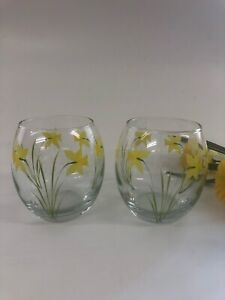 Individually hand painted Daffodil heavy tumblers