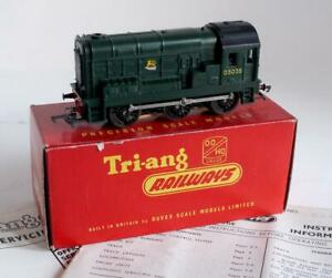 TRIANG RAILWAYS (R152) 0-6-0 DIESEL SHUNTER (CLASS 08) GREEN BR LIVERY (BOXED)