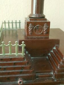 VINTAGE BAKELITE SOUVENIR 'MONUMENT OF GLORY' POLTAVA UKRAINE DESKTOP ART DECO