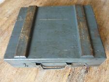 Ancienne boite bois ferrure rangement intérieur Art populaire boite a outils