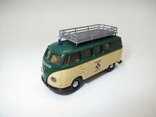 """BREKINA  Volkswagen T1  Bus  """"Bergwacht Schwarzwald""""  1:87  in Vitrine !"""