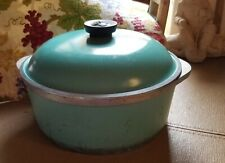 New listing Vintage Club Turquoise Round Cast Aluminum 4 Quart Dutch Oven Roaster Pot w/Lid