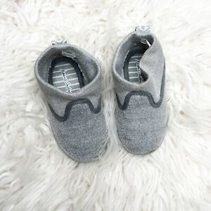 Hanna Andersson Baby gray booties slippers 4 no slip cozy shoes little one