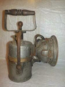 AN ANTIQUE GWR GREAT WESTERN RAILWAY PREMIER CARBIDE LAMP WITH BR(W) ALSO MARKED