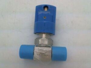 Swagelok 6LVV-DPLFR4-P, 1/4 FVCR Diaphragm Valve