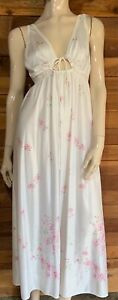 VINTAGE WHITE with PINK FLORAL PETITE NIGHTGOWN   #11926