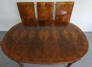 Karges furniture - Dinning Room Table and 5 Chairs - Good Condition - Karges!