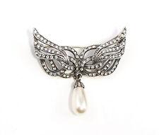 9901472 925er Silber Brosche mit Swarovski-Steinen u. synth. Perle Flügel-Form