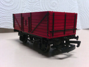 Bachmann Trains Thomas and Friends Open Red Wagon 77037 HO/OO (Tilted Buffer)