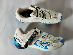 Pearl Izumi Women's Race RD II Cycling Shoes White Blue Cleats Size 8.5 / EUR 39
