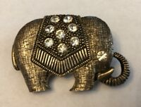 A BEAUTIFUL VINTAGE GOLD TONE CLEAR WHITE RHINESTONES ELEPHANT BROOCH PIN
