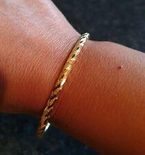 Genuine 22 Carat Gold Diamond-cut Ladies Bangle 8g