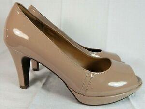 Clarks Nude Patent Leather Peep Toe Pumps Heels Women's Size 8.5 M