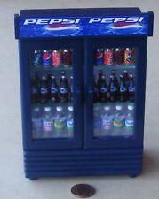 Escala 1:12 dos Puerta Refrigerador De Pepsi Casa de Muñecas en Miniatura Accesorio Tienda de Bebidas