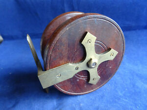 "AN UNUSUAL VINTAGE 4"" WOODEN NOTTINGHAM CENTREPIN REEL UNUSUAL GOTHIC STAR BACK"