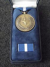 (A46-07) NATO Einsatzmedaille Yugoslavia Balkan Operation Orden im Etui