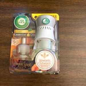 Air Wick Essential Oils Pumpkin Spice Refills with Plug In Bonus Warmer Fall NEW