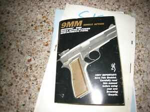 Browning 9 MM Semi-auto pistol booklet - vintage- complete and not written in.Go