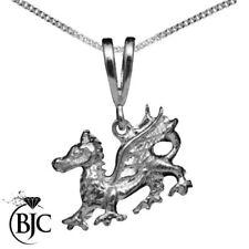 Collares y colgantes de joyería de metales preciosos sin piedras colgantes, sobre los animales e insectos