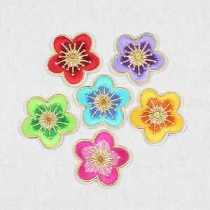 Gold Line Flowers Embroidered Patches Iron on Sew On Patch Badge Clothes Bags