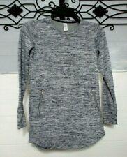 Girls Athleta Top Size M 8/10 Gray Long Sleeve Activewear