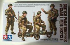 Motociclette di modellismo statico in plastica sul guerra