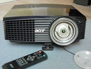 ACER S5301WB ultra-courte focale 1280x720 3200 lumen 32dB Hdmi HP intégré