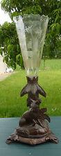 Forêt noire - Vase pied en bois sculpté, tulipe en cristal gravé. XIXe s.
