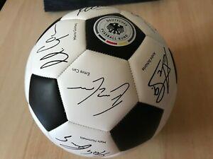 DFB Unterschriftenball - Lovebrands Fußball WM 2018 - unbespielt
